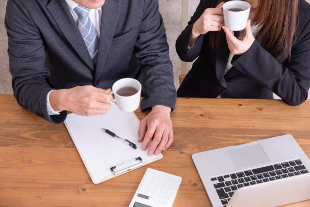 職場の好きな人にアプローチする方法!社内で女性がすべき態度とは?